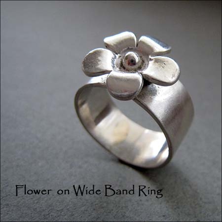 R - Flower on Wide Band Ring